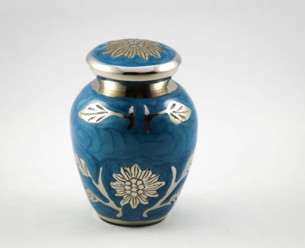 Mini urn, blue flowers