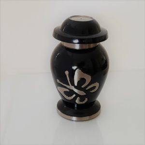 mini urn met zilveren vlinder