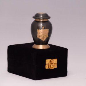 mini urn zwart met gouden blad