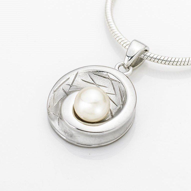 zilveren ashanger schelp met parel
