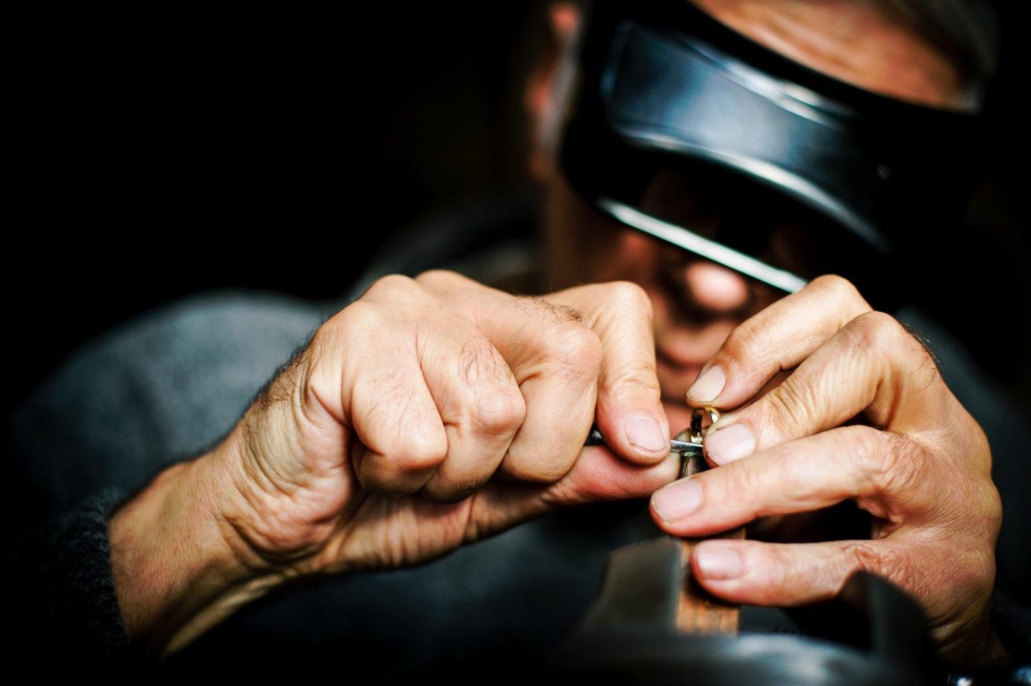 Gedenksieraad graveren met diamantgravure techniek